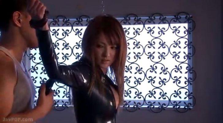 【女捜査官×レイプ】組織男「強情な女だ」巨乳のかわいい女捜査官が拘束されて犯される!ガンガン突かれて大量に顔射されてしまう!