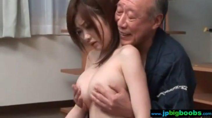 【浜崎りお:爆乳×乳揉み】じいさん「いいもみ心地じゃ。」巨乳のお姉さんがひたすらおっぱいを揉まれつづけるw