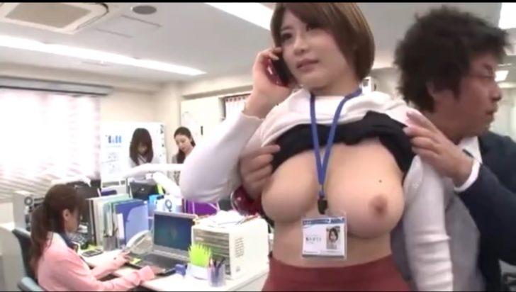 【爆乳OL×時間停止】職場で時間を止めて巨乳女子社員のおっぱいを背後から揉みまくるw